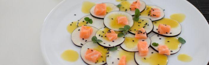 Le carpaccio radis noir et dos de saumon