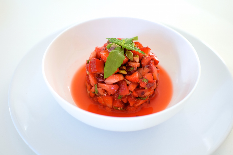 Le tartare de fraises et pistaches  | LovaLinda | Blog Cuisine Photo