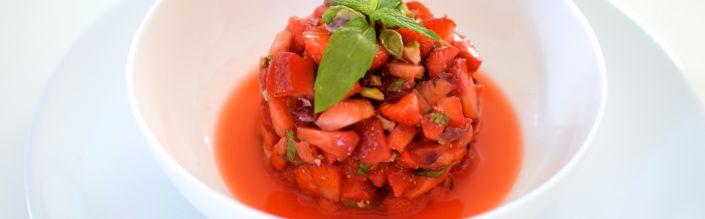Le tartare de fraises et pistaches