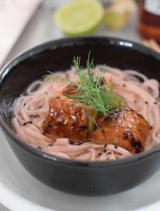 Les nouilles de cerisiers au saumon