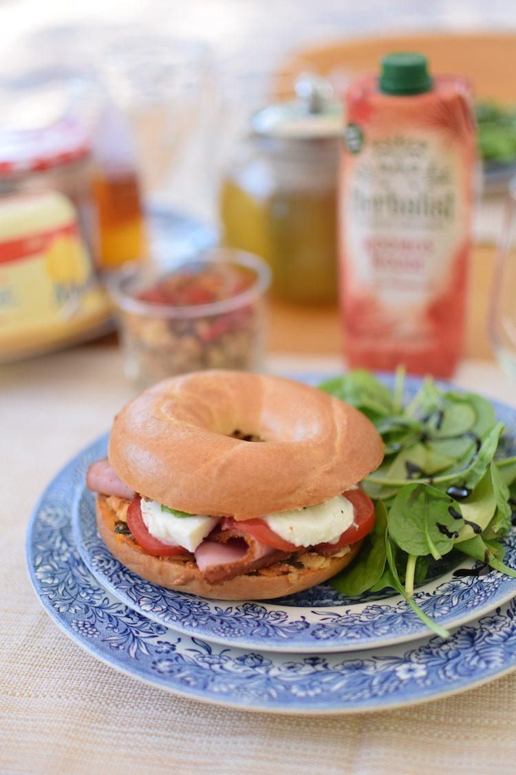 Le bagel à l'italienne | jambon tomates mozzarella |Blog | Cuisine Recettes Sandwich Brunch