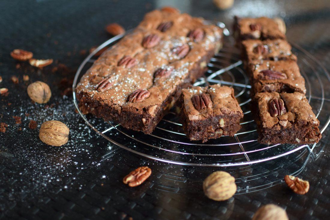 Les brownies aux deux noix | LovaLinda | Blog Cuisine Recettes Dessert | Pâtisserie