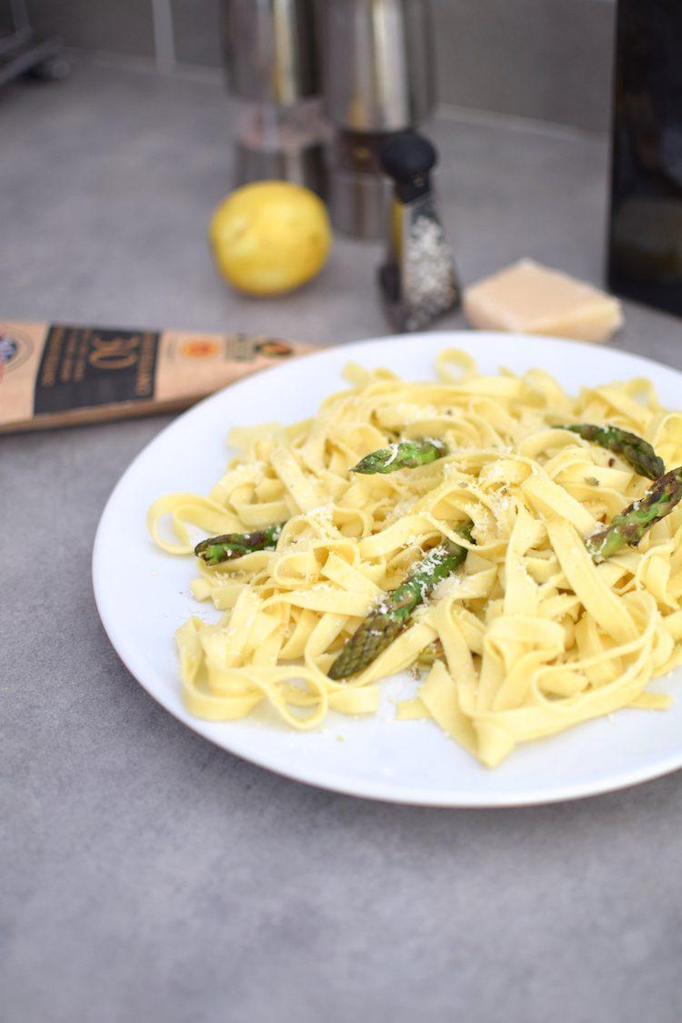 Les pâtes aux asperges, citron et parmesan | Blog | Cuisine Recettes Plat | Trois ingrédients