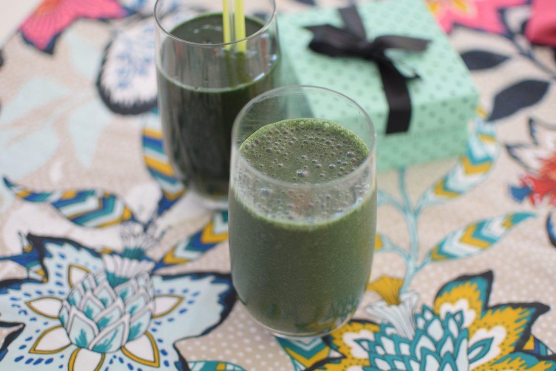 Le smoothie vert à la spiruline | LovaLinda | Blog Cuisine Recettes Boissons
