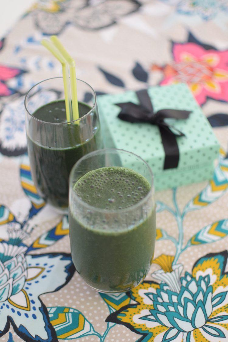 Le smoothie vert à la spiruline | LovaLinda | Blog Cuisine Recettes Boissons Energisante