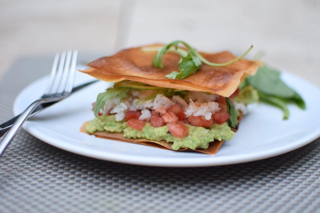 Les croustillants au crabe | LovaLinda | Blog Photo Cuisine Photo Recettes | Entrée | Feuilles de brick Avocat Tomates Roquette