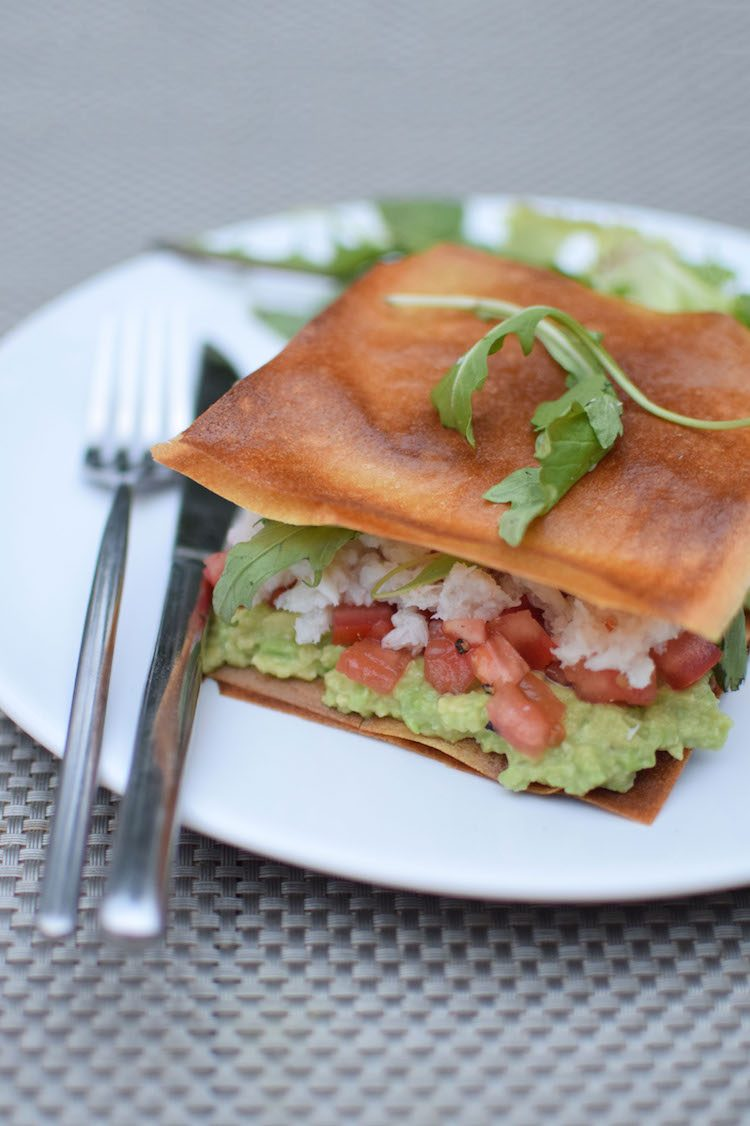 Les croustillants au crabe | LovaLinda | Blog Photo Cuisine Recettes | Entrée | Feuilles de brick Avocat Tomates
