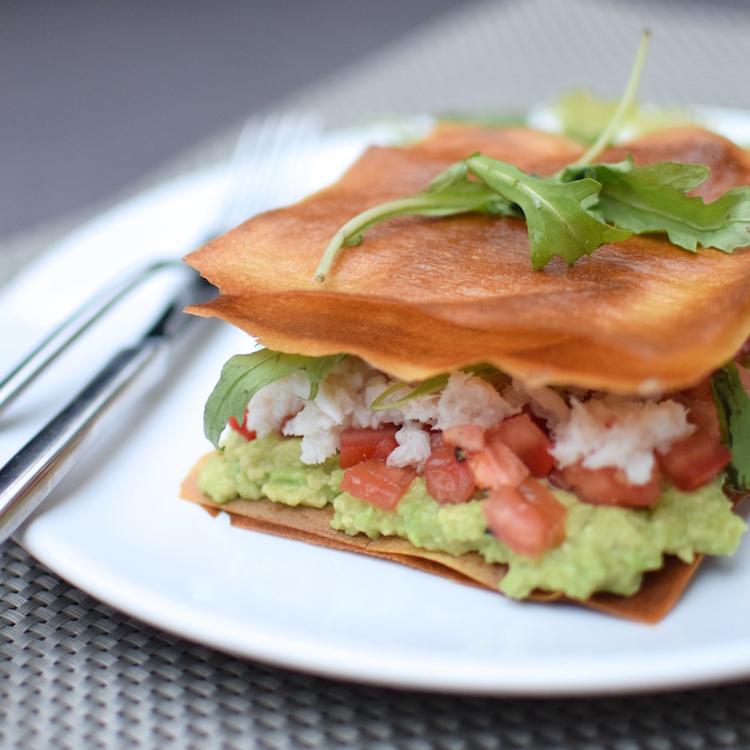 Les croustillants au crabe | LovaLinda | Blog Photo Cuisine Recettes | Entrée | Feuilles de brick Avocat Tomates Roquette