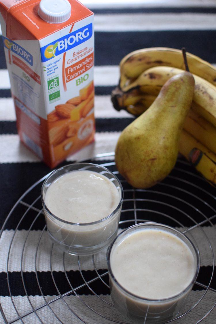 le-smoothie-banane-poire-lait-damande-et-caramel-sale-bio-bjorg-lovalinda-blog-cuisine-recettes-boissons-jpg