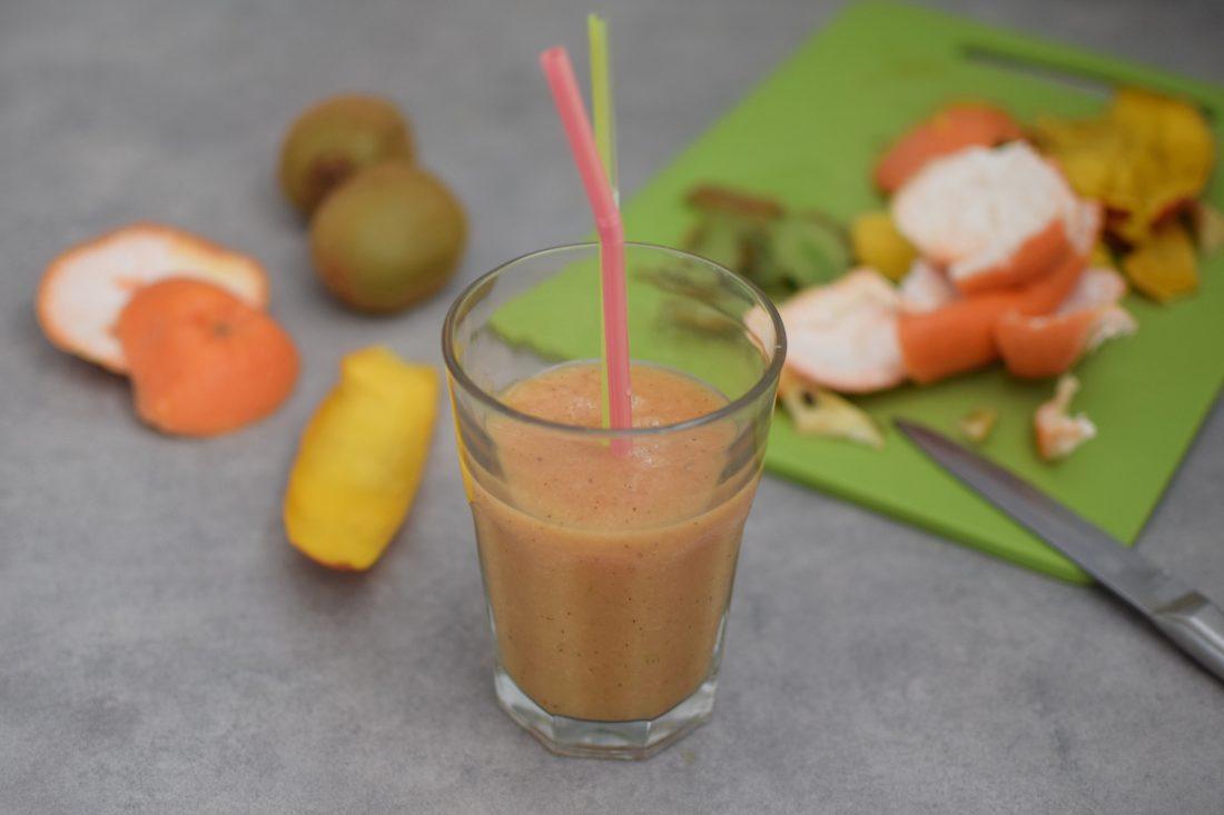 le-smoothie-pamplemousse-mangue-kiwi-lovalinda-blog-cuisine-recettes-boissons-photographie