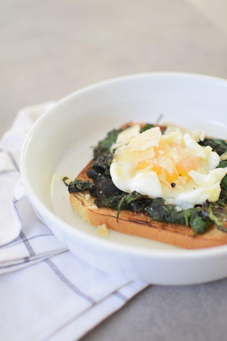 les-tartines-aux-epinards-et-oeuf-poche-lovalinda-blog-cuisine-recettes-entree-plat-brunch-photographie-marseille-france