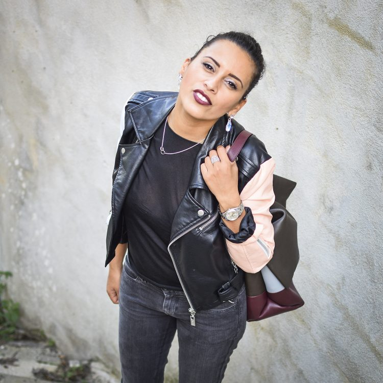 lady-rock-lovalinda-blog-mode-beaute-outfit-look-beautybook-blogueuse-photographie-marseille-france-nasty-gal-leather-biker-jacket-x-notify-jeans-x-tara-jarmon-top-x-asos-earrings
